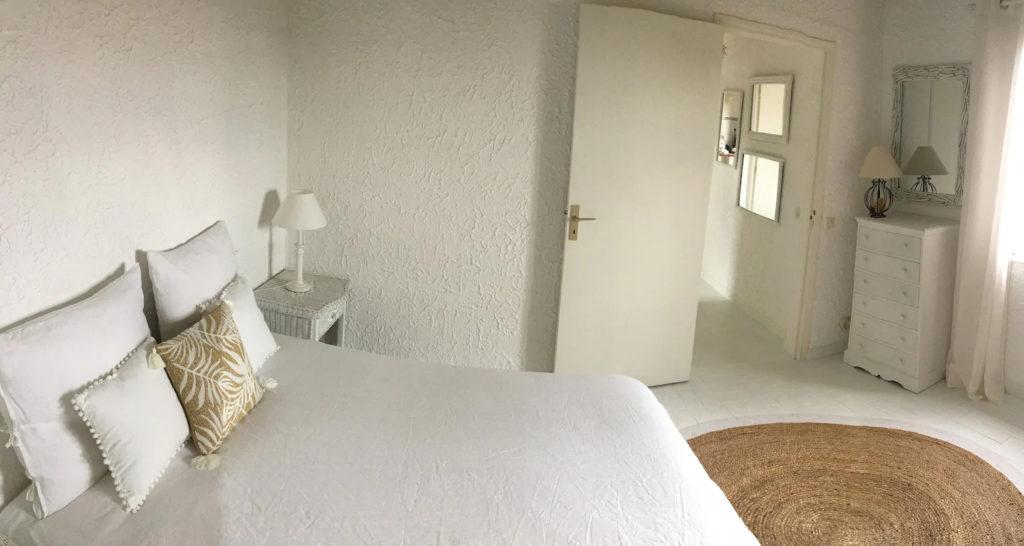 """La chambre """"U Spanu"""" avec un lit double"""
